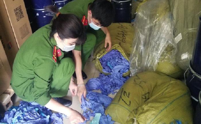 Hà Nội phát hiện gần 3 tấn găng tay y tế xuất xứ Trung Quốc