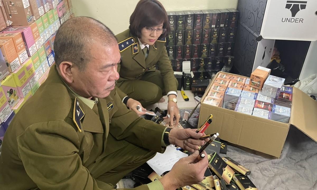 """Hà Nội bắt giữ lô thuốc lá điện tử """"khủng"""" trị giá hơn 4 tỷ đồng"""