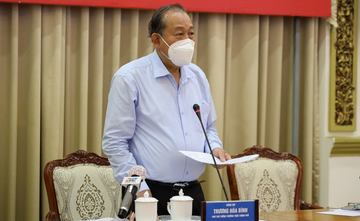Lãnh đạo Chính phủ và Bộ Y tế gợi ý TP.HCM xem xét nâng mức chống dịch lên cao hơn