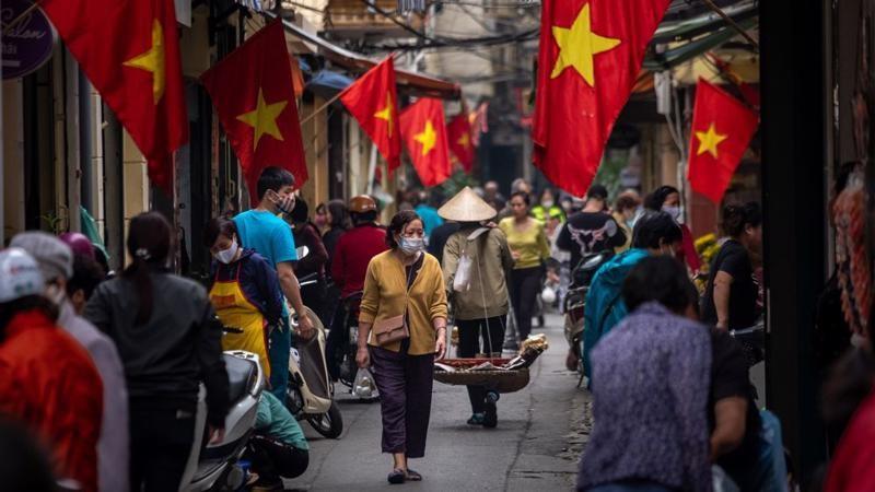 S&P Global hạ dự báo tăng trưởng GDP Việt Nam
