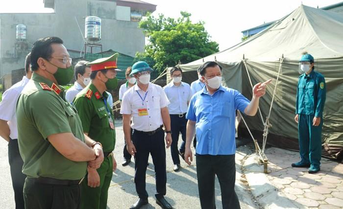 Bí thư Hà Nội: Kiên trì thực hiện giãn cách, hạn chế người dân ra đường