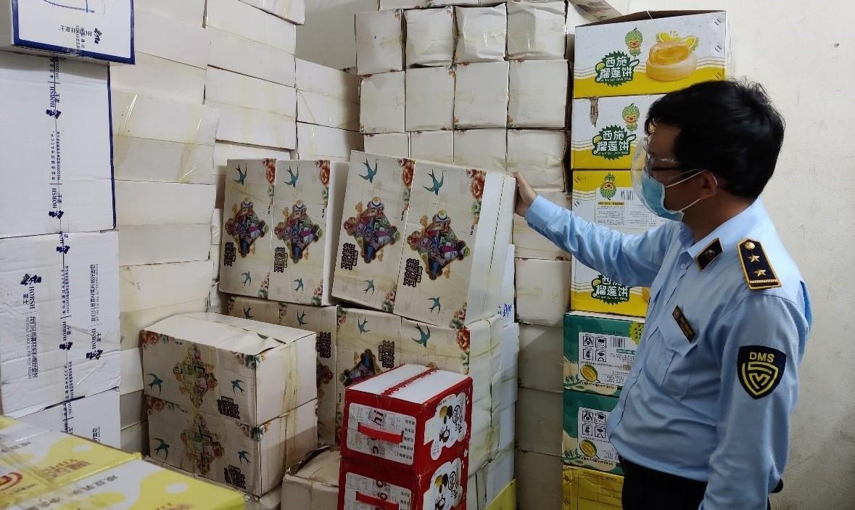 Đà Nẵng: Bắt hơn 40.000 bánh trung thu Trung Quốc nhập lậu