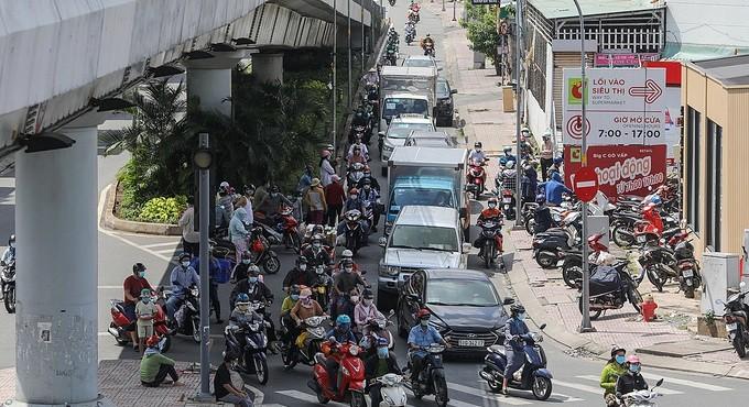 Thủ tướng yêu cầu tiếp tục kiểm soát người ra vào TP.HCM và 3 tỉnh lân cận