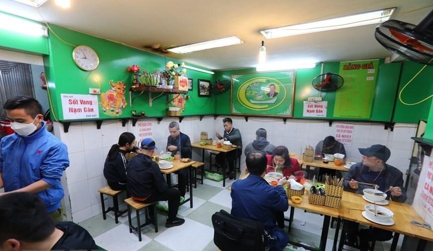 Hà Nội cho phép hàng ăn uống, công sở, doanh nghiệp hoạt động bình thường từ 14/10