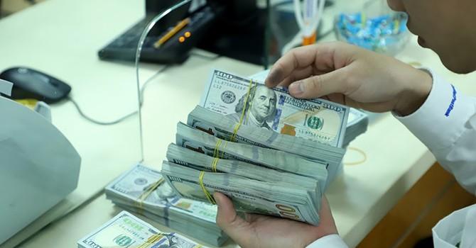 Trước thềm nghỉ lễ, lãi suất VND liên ngân hàng rơi xuống đáy hơn nửa năm