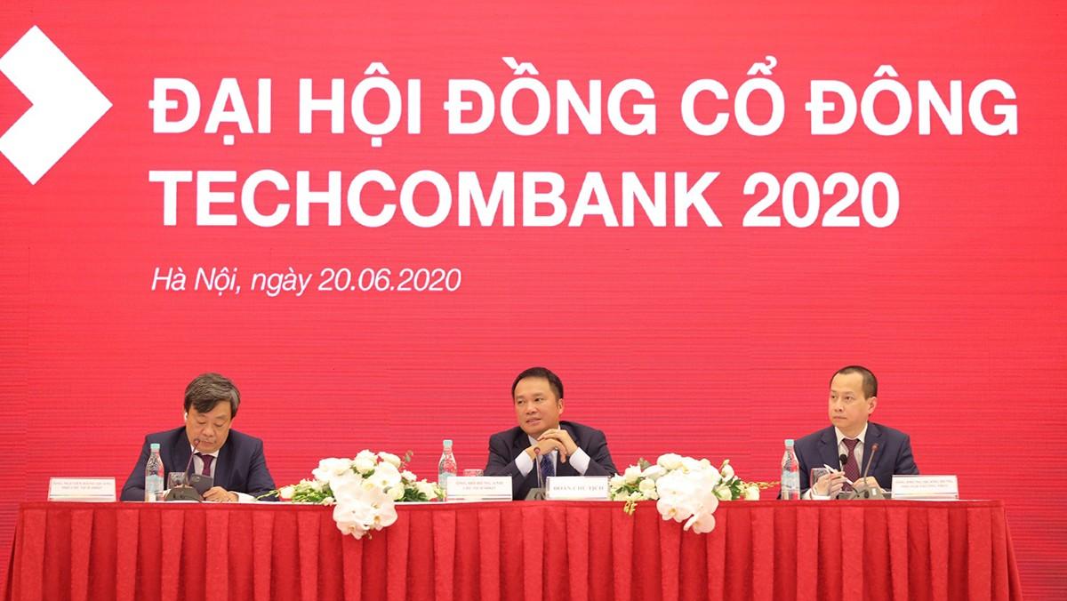 """Chủ tịch Techcombank: """"Chúng tôi không dàn hàng ngang"""""""