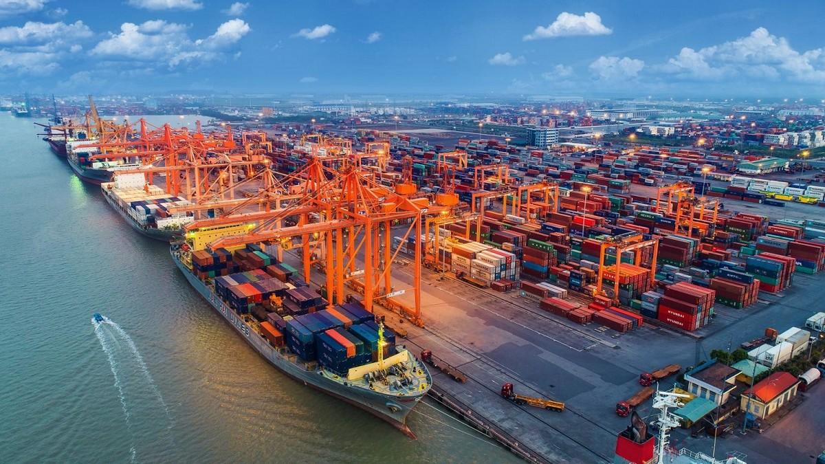 """""""Cơn khát"""" container không kéo dài lâu, ngành cảng biển sẽ sớm trở lại tăng trưởng hai chữ số?"""
