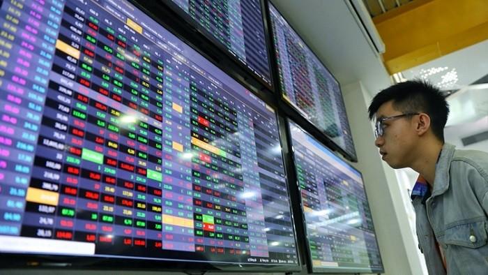 """Mất 3 năm VN-Index mới trở lại đỉnh cũ nhưng nhiều cổ phiếu từng phải đu """"đỉnh"""" vẫn cho mức sinh lợi hàng trăm %"""