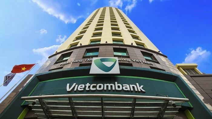 Vietcombank vượt Vingroup trở thành doanh nghiệp vốn hóa lớn nhất sàn chứng khoán
