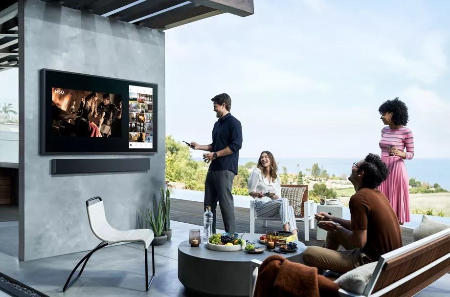 Samsung ra mắt dòng TV ngoài trời độ phân giải 4K mang tên Terrace