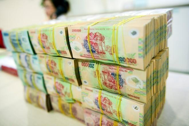 Sếp ngân hàng: Ăn lương tiền tỷ canh cánh nỗi lo đi tù
