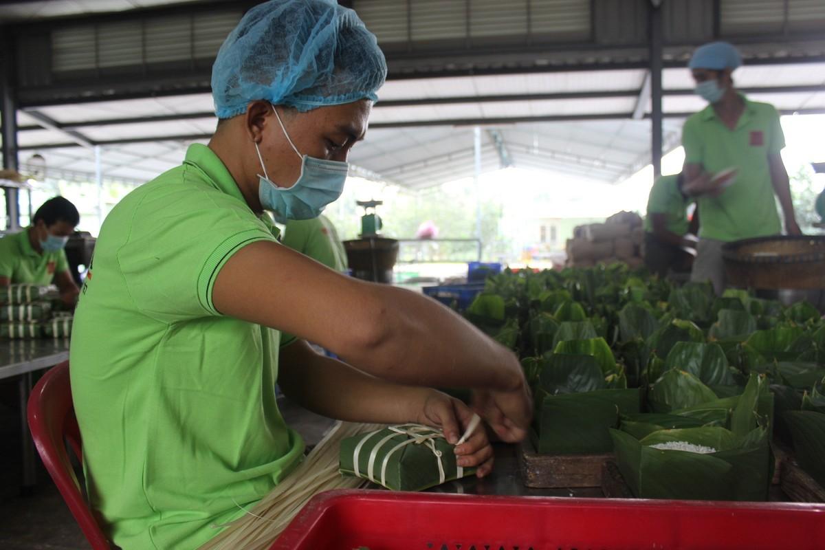 Đặc sản Việt xuất ngoại đón tết