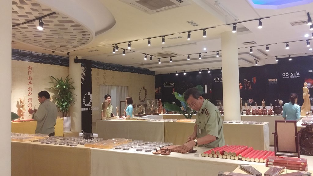 Cửa hàng ở Nha Trang xài... nhân dân tệ
