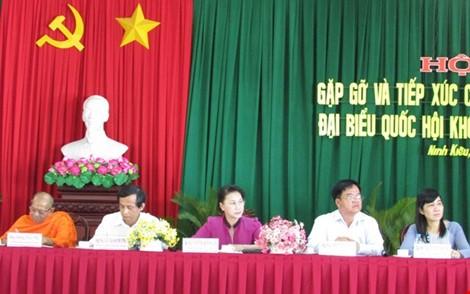 """Bà Nguyễn Thị Kim Ngân: """"Chúng ta không cam chịu, không cúi đầu!"""""""