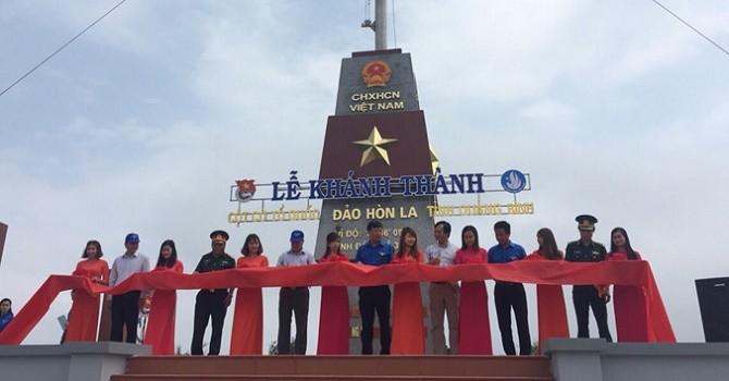 Khánh thành Cột cờ Tổ quốc trên đảo Hòn La do Phát Đạt tài trợ