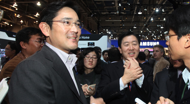 """Chân dung người thừa kế """"triều đại"""" Samsung"""