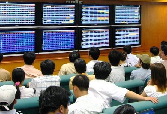 Việt Nam hoãn nới room cho nhà đầu tư ngoại