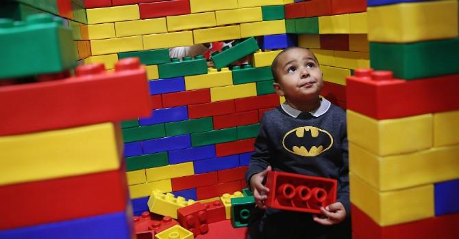 Lego đã dạy cho Louis Vuitton điều gì?