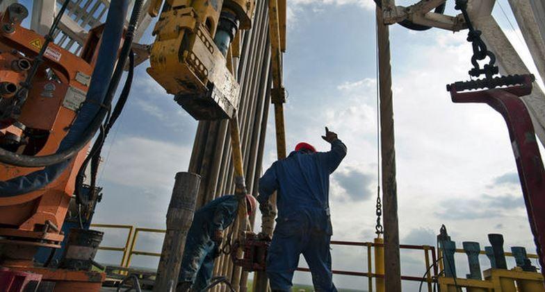 Giá dầu xuyên đỉnh gần 1 tháng sau dấu hiệu nguồn cung bị thắt chặt