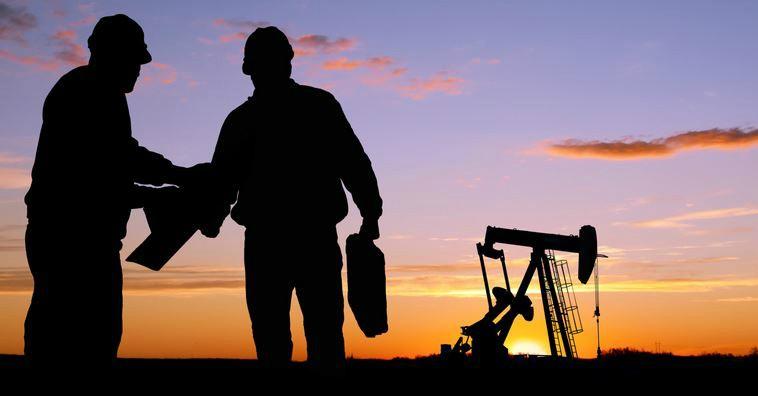Giá dầu lần đầu mất mốc 32USD/thùng trong 12 năm