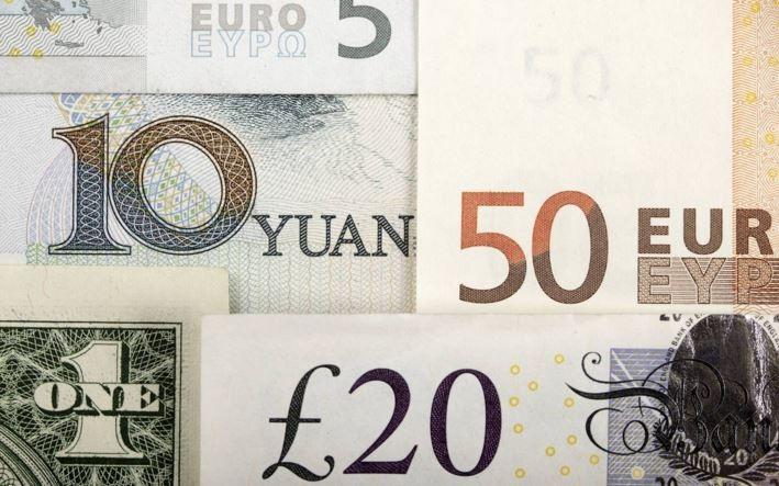 Đồng USD giảm 0,5% so với bảng Anh khi người Anh nghiêng về ở lại EU