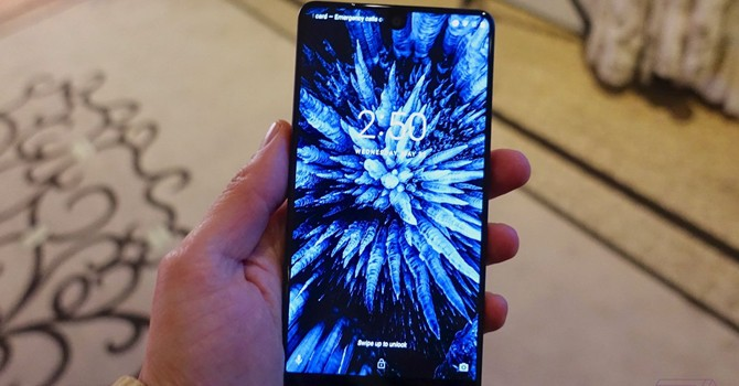 """Chi tiết mẫu điện thoại """"tốt hơn iPhone"""" của tác giả hệ điều hành Android"""
