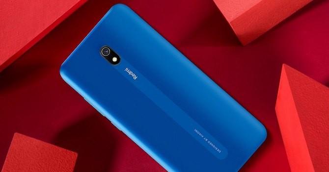 """Xiaomi ra mắt điện thoại giá rẻ có dung lượng pin """"siêu khủng"""""""