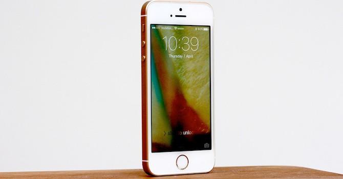 Công nghệ 24h: iPhone SE còn 2 triệu đồng