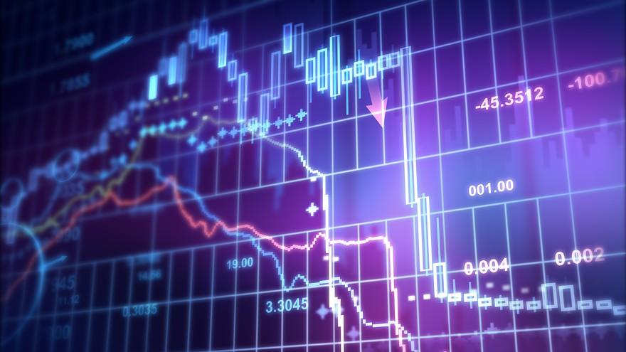 """Chứng khoán 24h: """"Ra chiêu"""" mua cổ phiếu quỹ, HQC bốc đầu tăng trần"""