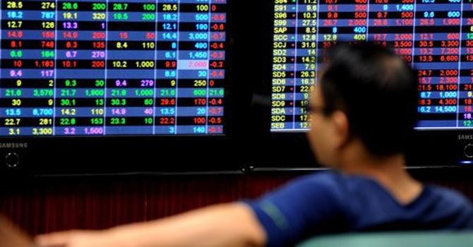Chuyển cổ phiếu sang HNX hay nâng lô tối thiểu lên 1.000, giải pháp nào thích hợp hơn?