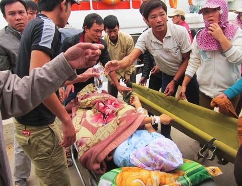 Dân đảo Lý Sơn khốn khổ vì bị cô lập suốt nửa tháng