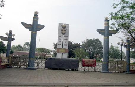 Hà Nội bác tin chi 700 tỷ đồng xây 35 tượng đài