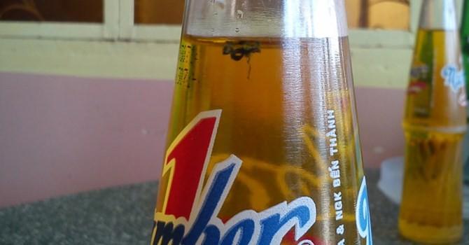 Thêm khách hàng phản ánh trong chai Number One có ruồi