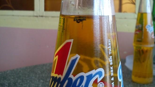 """Vụ """"con ruồi trong chai nước"""": Tân Hiệp Phát mắc quá nhiều sai lầm!"""