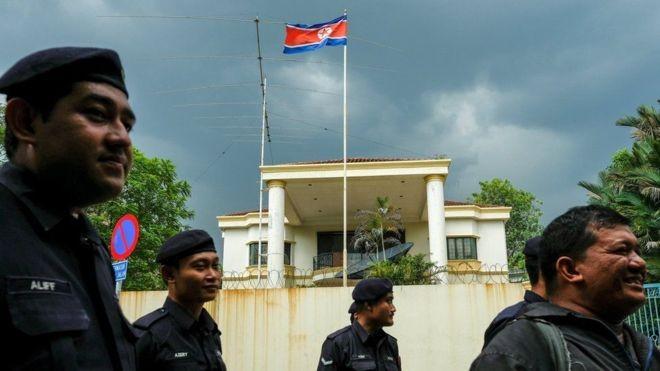 Hai người Malaysia được phép rời Triều Tiên