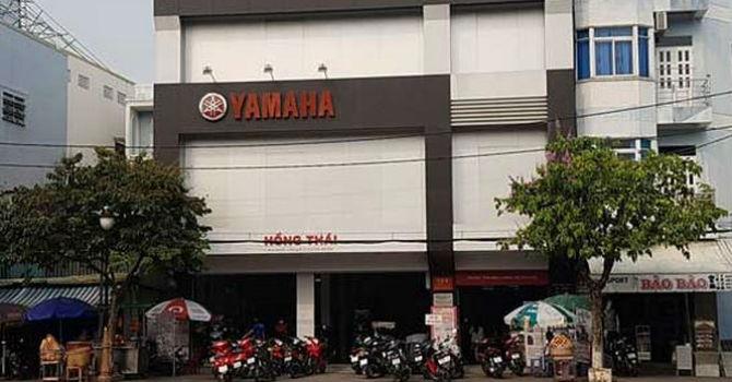 """Đại lí Yamaha """"phù phép"""" xe màu xanh thành đen nhám: Hành vi lừa dối?"""