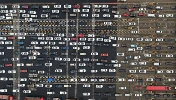 Người tiêu dùng thắt hầu bao, thị trường xe Trung Quốc tiếp tục lao dốc
