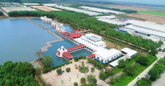 Resort Bò Sữa Vinamilk Tây Ninh, trang trại mở đầu cho làn sóng ứng dụng  công nghệ 4.0, AI