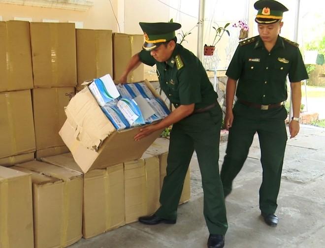 Chặn lô hàng xuất lậu 50.000 khẩu trang y tế qua Campuchia
