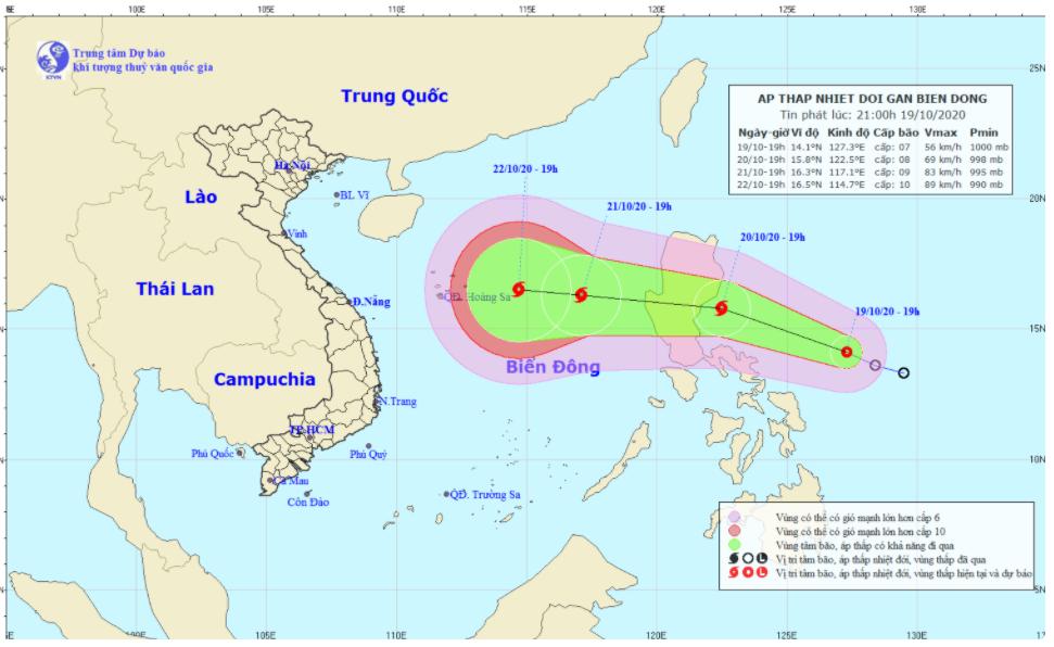 Áp thấp nhiệt đới gần biển Đông có khả năng mạnh lên thành bão, hướng vào miền Trung