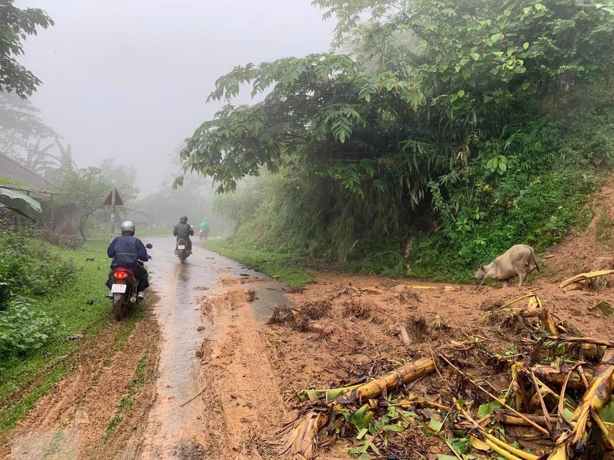 Miền núi phía Bắc tiếp tục mưa rất to, Nam Bộ nắng nóng