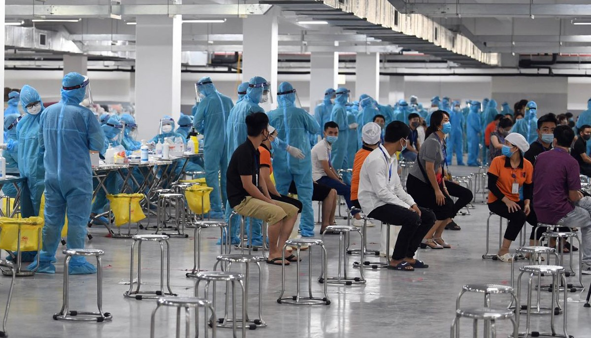 2,5 tỷ đồng hỗ trợ công nhân lao động và cán bộ y tế bị ảnh hưởng vì dịch Covid-19
