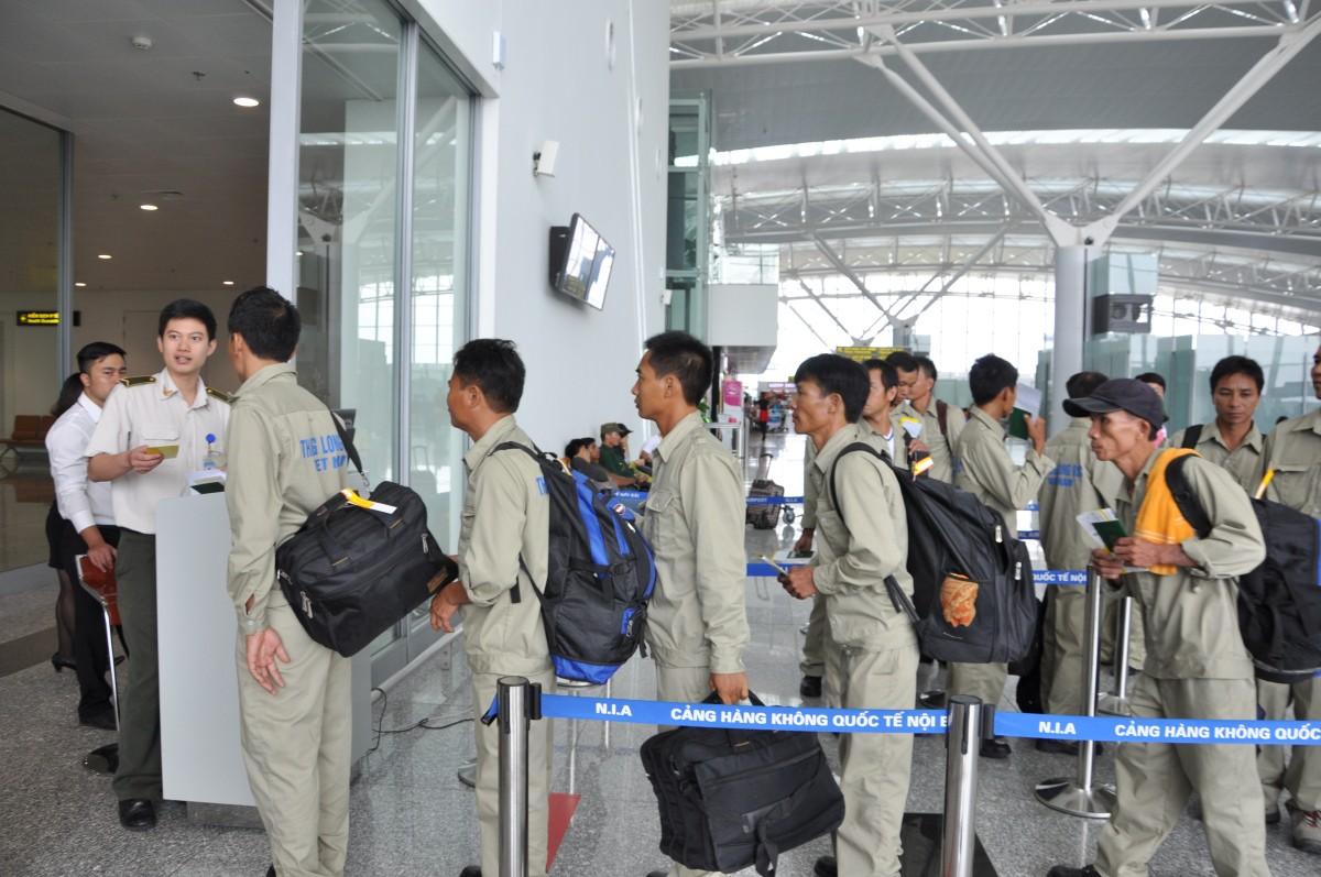 Từ hôm nay, Đài Loan tạm dừng nhập cảnh lao động nước ngoài, bao gồm lao động Việt Nam