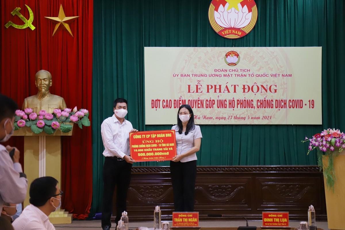 BRG ủng hộ 1 tỷ đồng và 20.000 khẩu trang vải kháng khuẩn cho Hà Nam, Bắc Giang