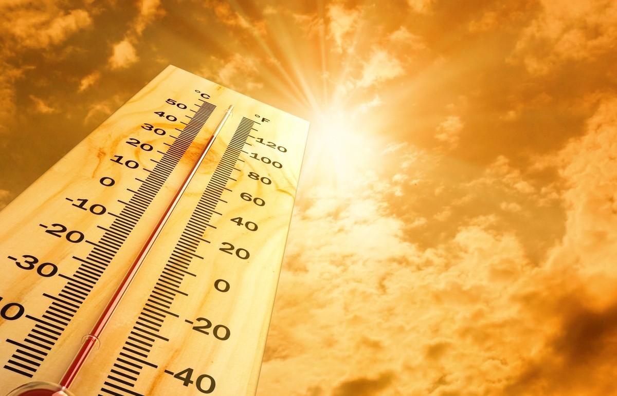 Nắng nóng diện rộng ở Bắc Bộ và Trung Bộ kéo dài nhiều ngày tới