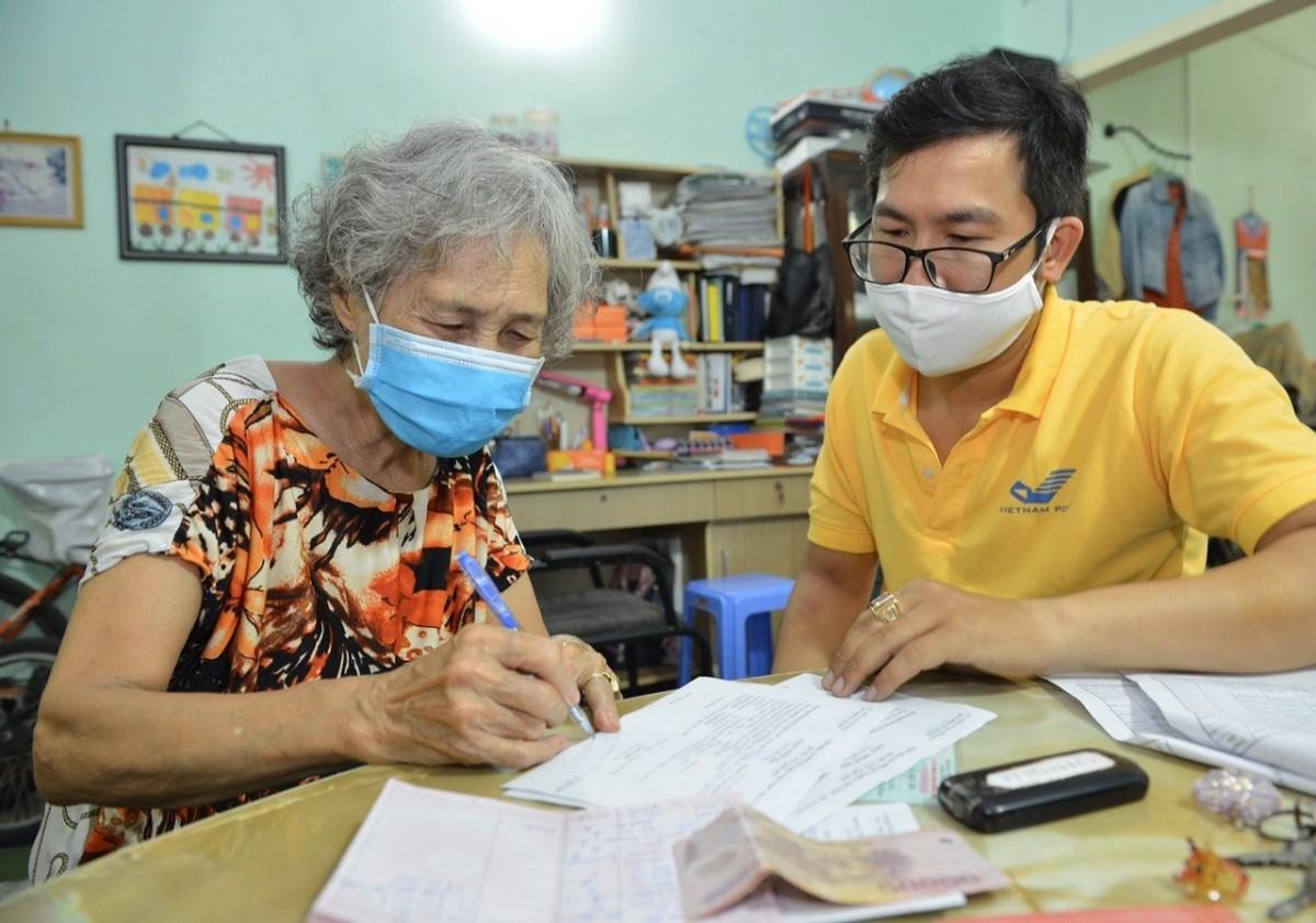 Hà Nội chi trả lương hưu và trợ cấp bảo hiểm xã hội tại nhà từ ngày 3/8