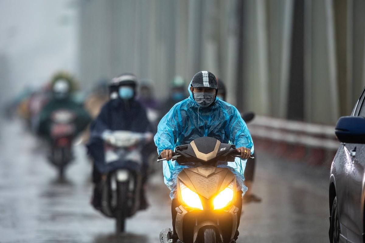 Bắc Bộ mưa dông diện rộng, thời tiết dịu mát