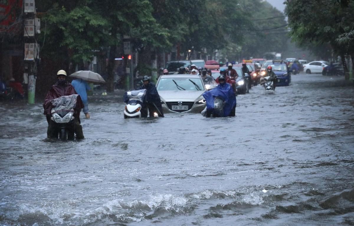 Bắc Bộ có mưa dông lớn, khả năng gây ngập úng tại nhiều địa phương