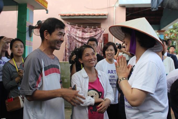 Phu nhân Tổng thống Hàn Quốc thăm làng bích họa Quảng Nam