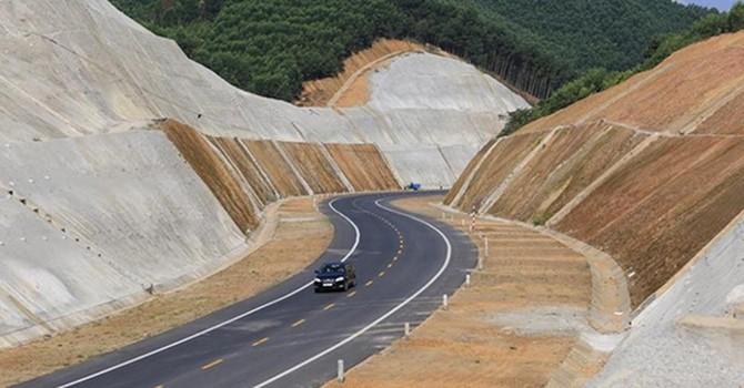 """Thủ tướng yêu cầu xử lý cảnh báo """"sân trước sân sau"""" với Dự án cao tốc Bắc - Nam"""